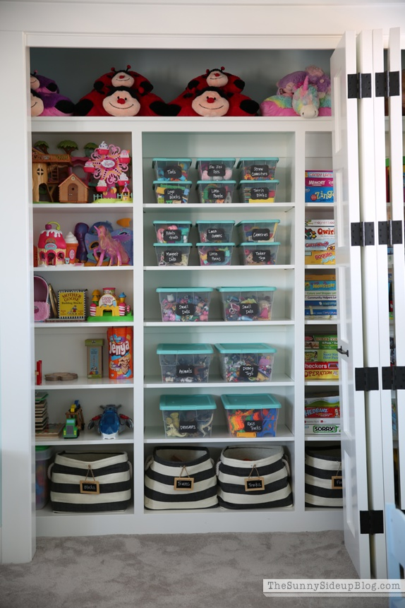 Organize The Closets And Pantry. If You Need Inspiration  Thesunnysideupblog.com And Thehomeedit.com Are Beyond Amazing.
